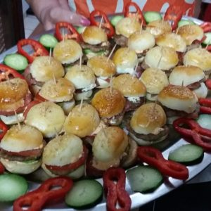 JUNEĆI MINI BURGER OVAL 26 KOM