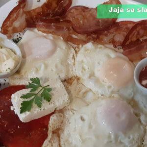 Jaja sa slaninicom